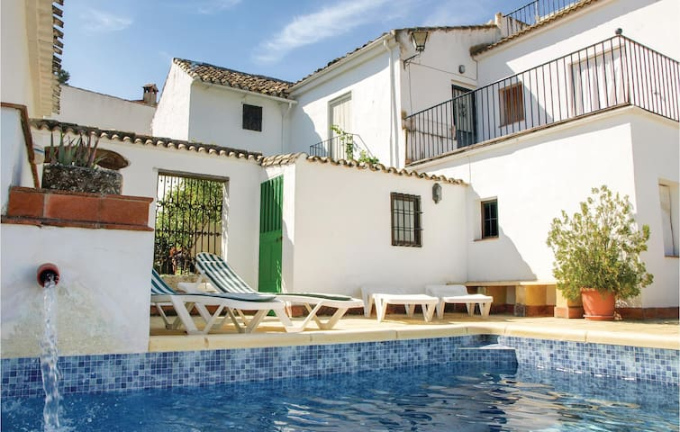 Holiday cottage with 5 bedrooms on 240m² in Castil de Campos