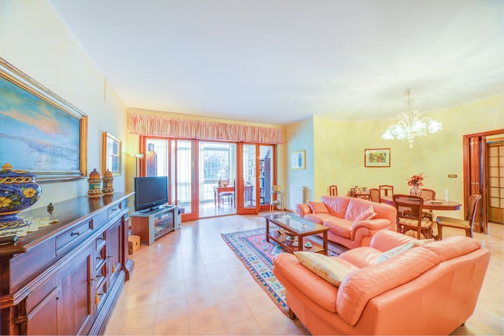 Teatro Greco Flat w/ FREE PRIVATE PARKING