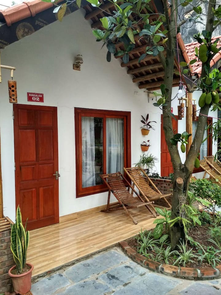 Tam Coc Serene Bungalow (green garden and pool)