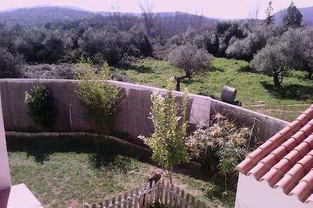 Habitación con vistas en Aracena - Арасена - Дом