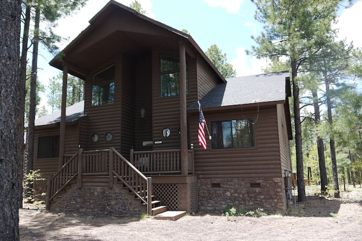 Beautiful Gated Cabin In The Pines