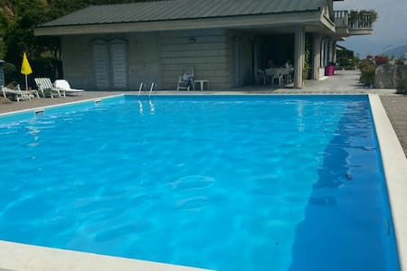 Bilocale in villa con piscina. - Gandosso - Lakás