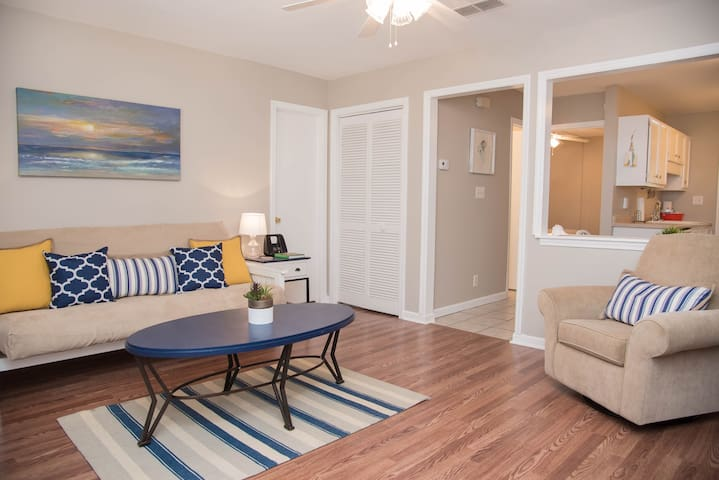Updated, Poolside, Steps to Beach - Myrtle Beach - Appartement en résidence