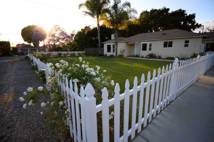 Sunny, family friendly ranch house! - Santa Barbara - House