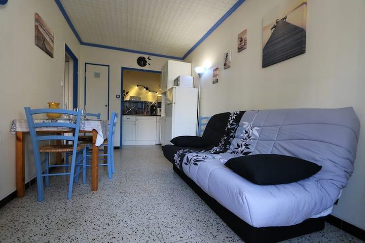 Appartement avec chambre, proche plage et wifi