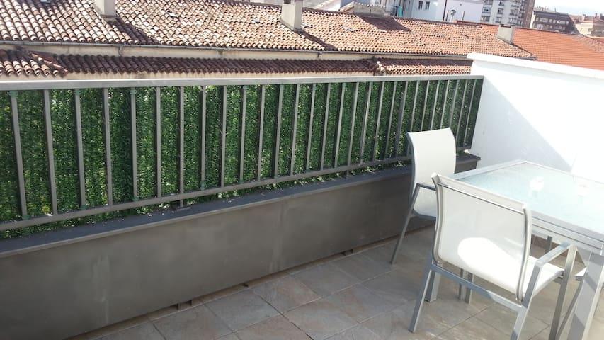 ÁTICO COQUETO PAMPLONA SAN FERMÍN