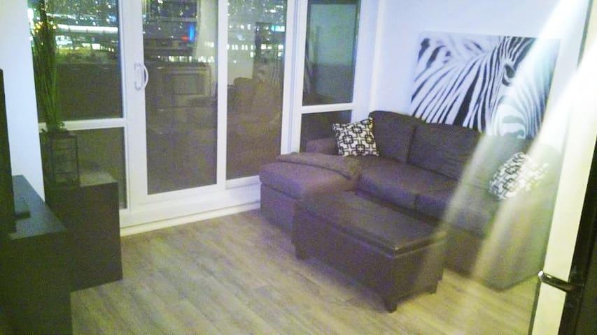 Awesome 1 bedroom condo in Liberty Village! - Toronto - Departamento