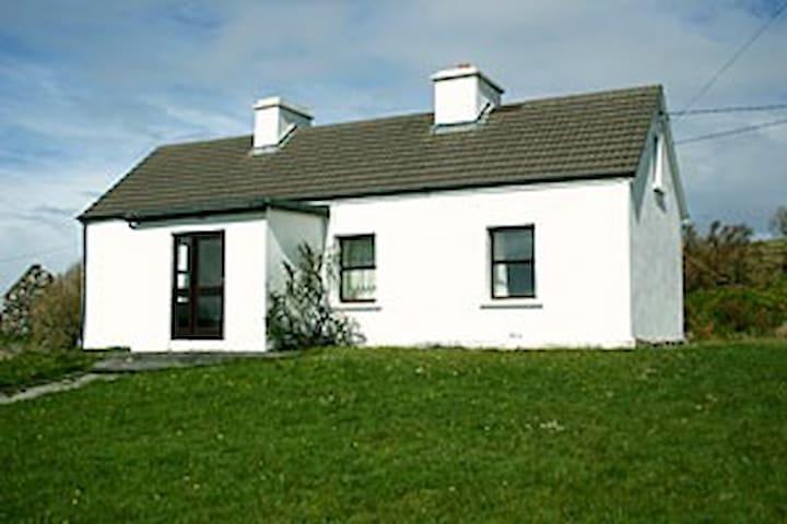 Cottage 175 cleggan - Cleggan - Blockhütte