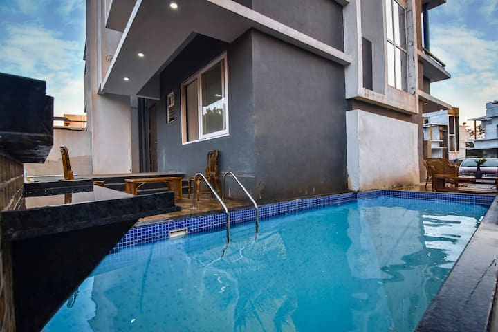 Stare in casa/3bhk/Private pool/ bath tub/ premium