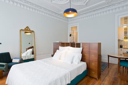 OPORTO HERITAGE APARTMENT & GARDEN + FREE PARKING