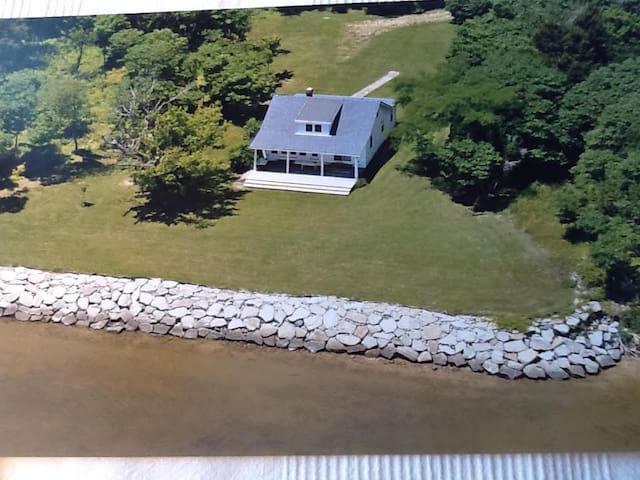 WATERFRONT Private Home 3br/1ba - Newburg