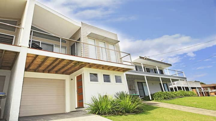 Surf Mist - contemporary seaside duplex