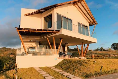 Eco-cottage near the beach!