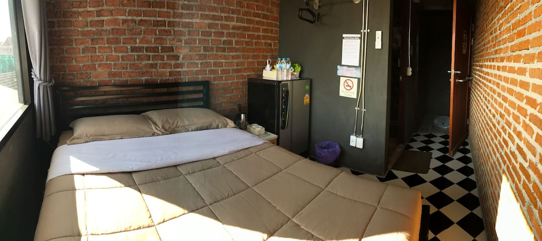 M3-Cozy room for 2 in old town Chiangmai (3/9B) - Chiang Mai - Wohnung