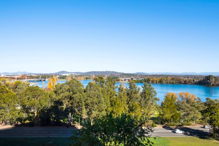 Lakeview, Near Parliament, ANU, 1 Bath,  1 Balcony