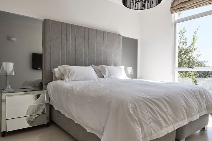 Luxury Living in the Heart of Sandton - Sandton - Apartment