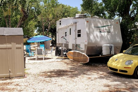 Tiny House RV, Kayak, Beach, Fishing, Marina, Pool