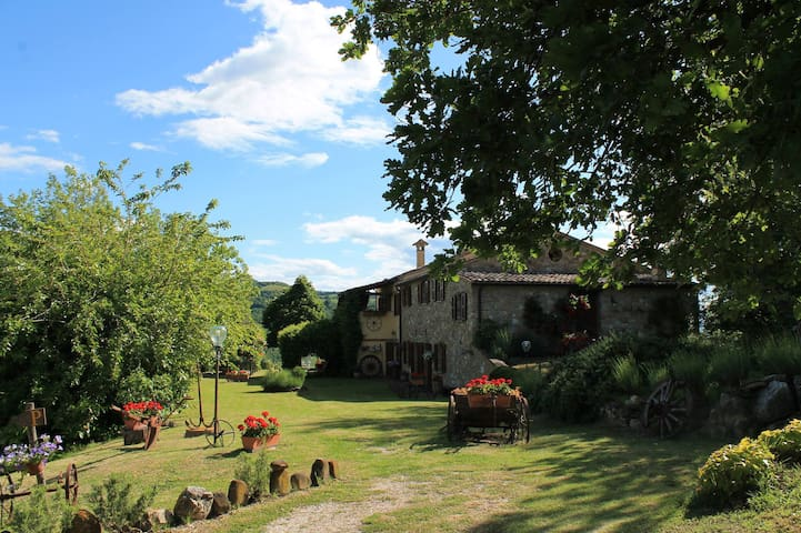 "Bilocale ""Cinghiale"" in Country House. Panoramico!"