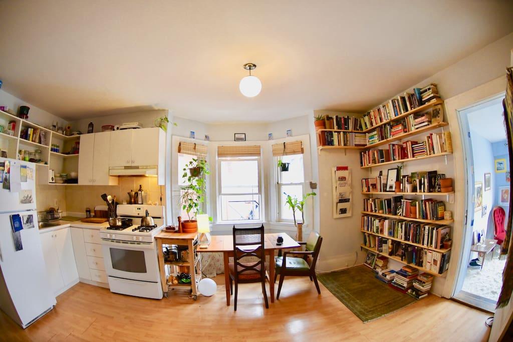 Cozy Lofty Three Bedroom Apartment Apartments For Rent In Toronto Ontario Canada