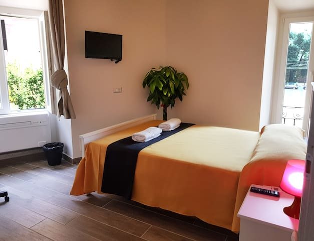 ROOM FOR 2PAX IN CENTRAL AREA SAN GIOVANNI WITH WC