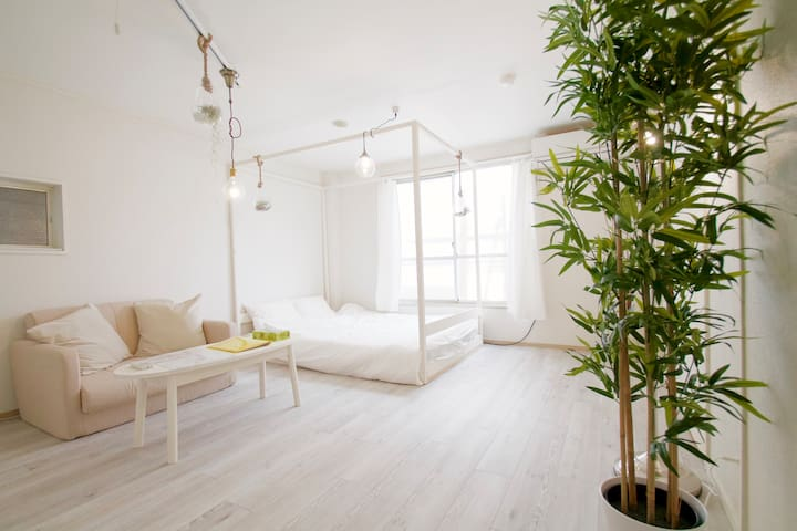 GREAT location! Studio Apt. 1 Stop to Umeda (#1)