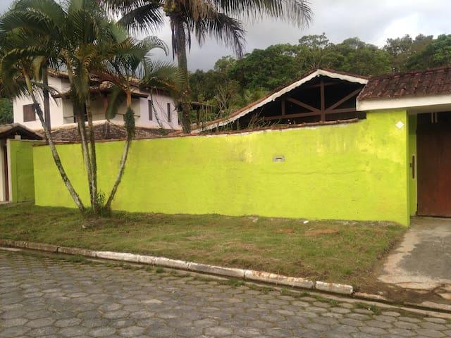 casa condomínio fechado litoral norte de SP