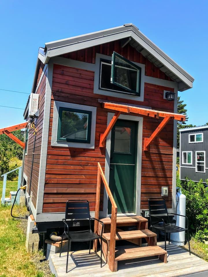Agate - our cozy tiny home on the Oregon Coast!