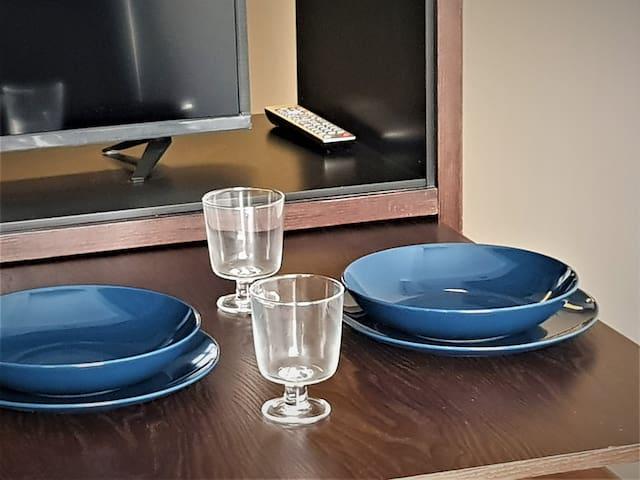 Mesita en el espacio de cocina. - kitchen space table :)