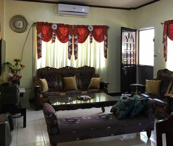 Nice 3 BR Guesthouse in Talisay, with Wifi & Van