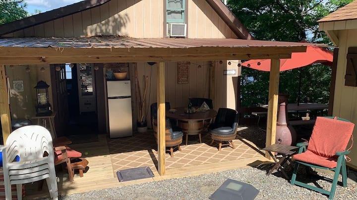 Caywood Cozy Cabin