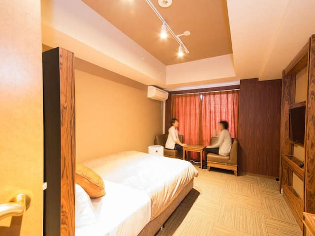 Large public bath/3 min walk from Daikokucho Station ! Non-smorking room
