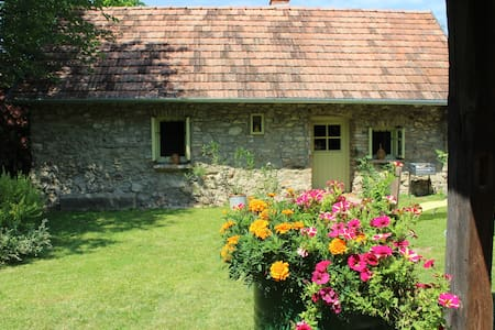 Piroska´s * little stonehouse with summerkichen
