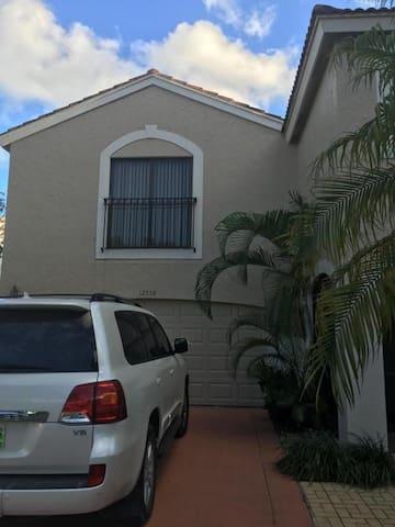 3 Bedroom Getaway - Wellington - House
