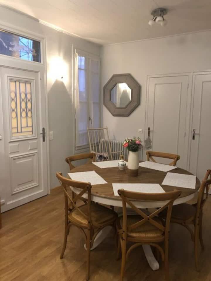 Crépy-en-Valois : Maison avec terrasse