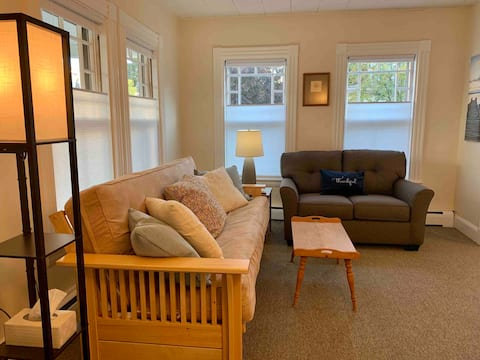 Daylily Cottage in the Heart of Bar Harbor