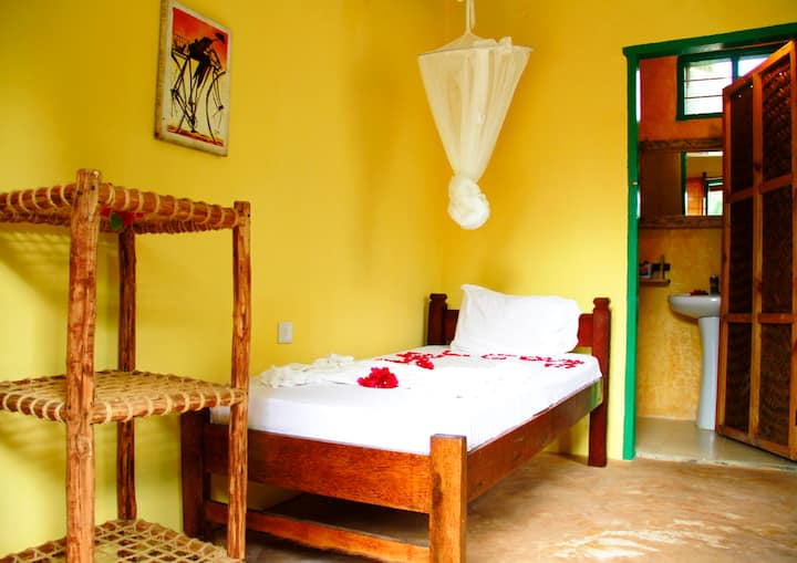 Demani Lodge: Single Room En-suite