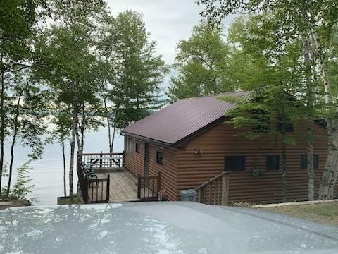 Deep Cove Cottage, Ambajejus Lake