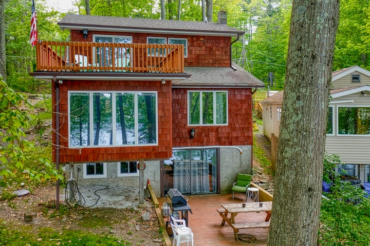 Lake Wallenpaupack Lakefront - Sleeps 13!