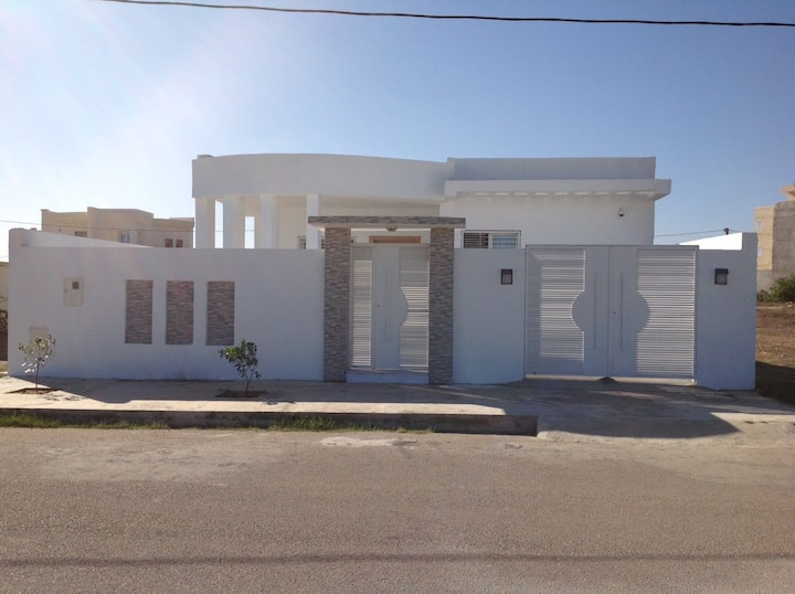 Villa à 2 mn de la plage Bekalta Monastir