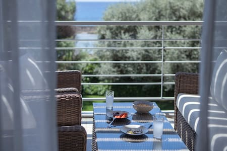 Cozy 2BD with seaview and parking - Messinia - Dům