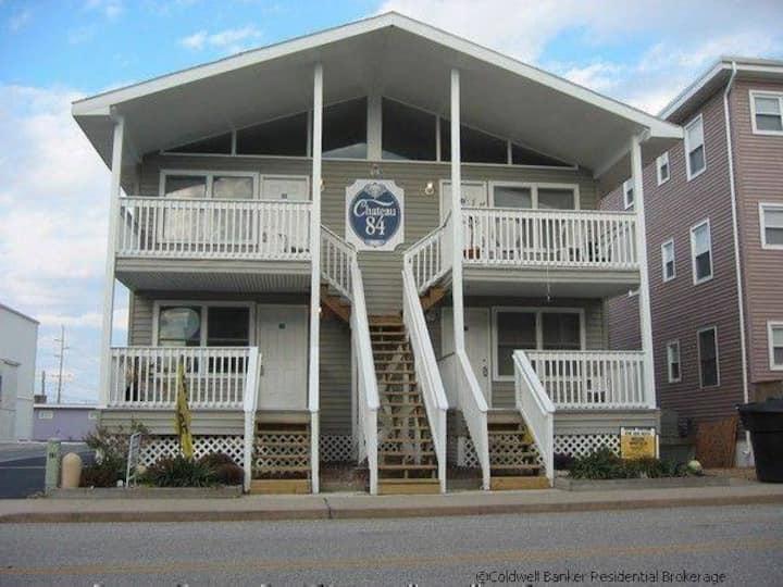 2 Bedroom Ocean Block Condo (Mid-town)