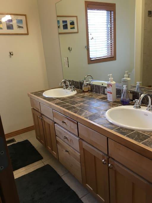 Bathroom adjacent to bedroom