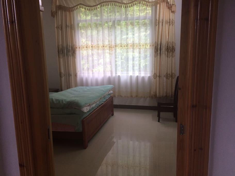 干净卫生的卧室