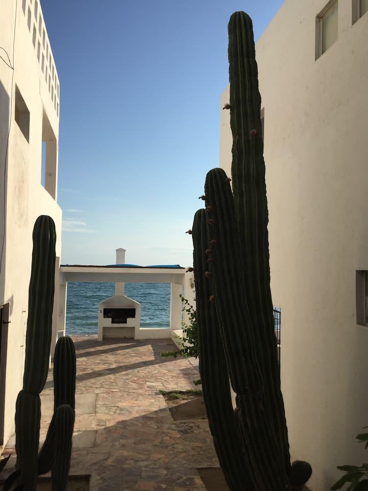 BAHIA DE KINO Casa en orilla de la Playa
