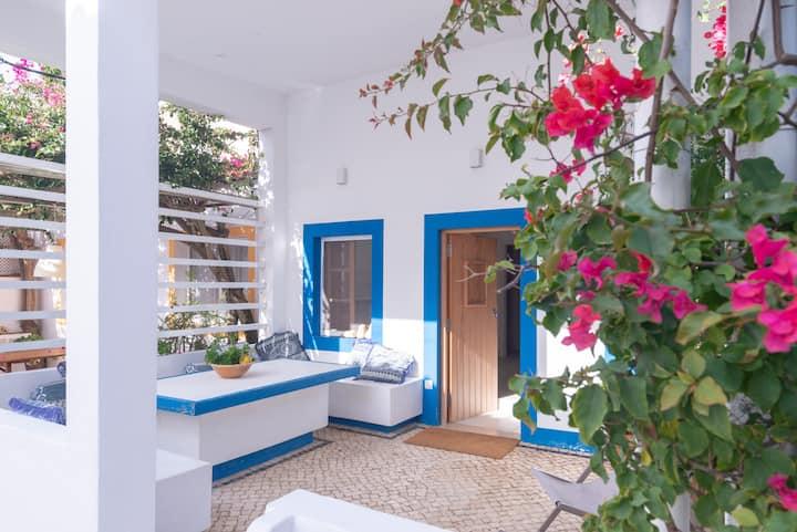 Seaside apartment with terrace Algarve by Lightbooking