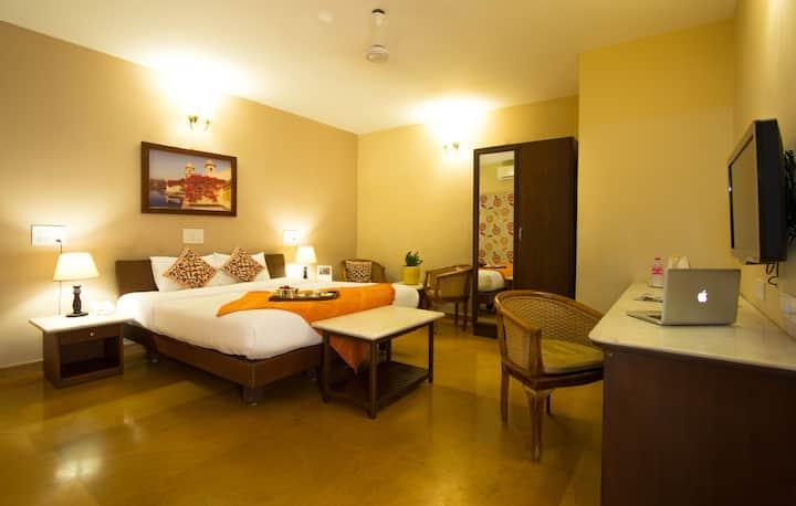 4 Cozy Bedrooms in Poes Garden - Chennai