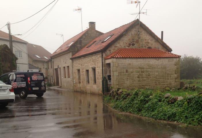 casa rural cerca de la playa a 800m - Ribeira - Huis