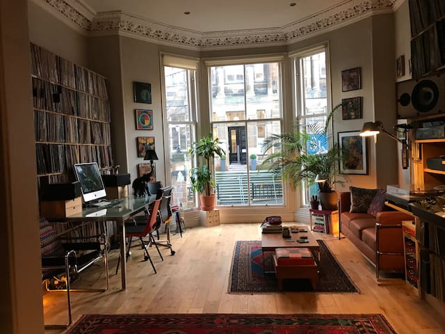Private Room in West End - Glasgow