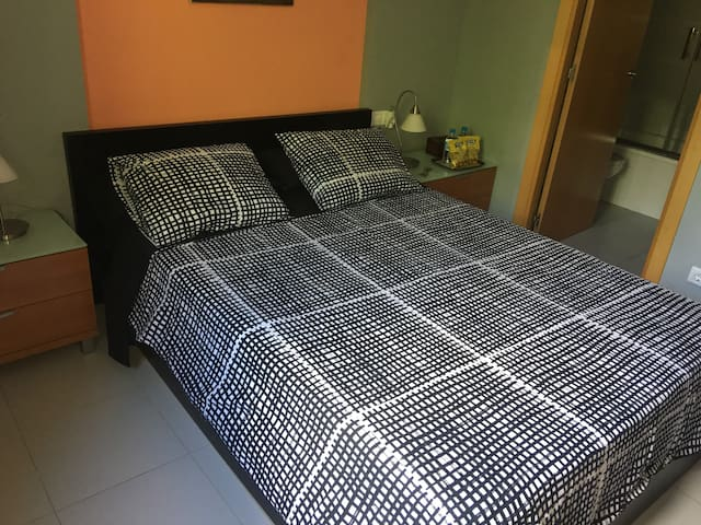 DOUBLE ROOM 6 EN CAN PEIXAUET CON BAÑO PRIVADO