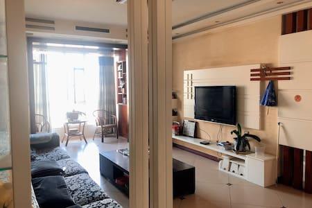 紫金花苑高层房 三室两厅 可聚会 可做饭 长租优惠